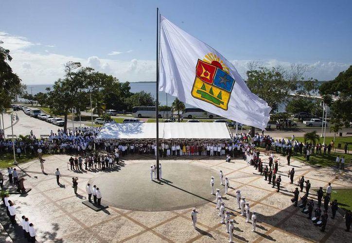 La clase política de Quintana Roo conmemoró ayer el 39 aniversario del documento constitucional local. (Cortesía/SIPSE)
