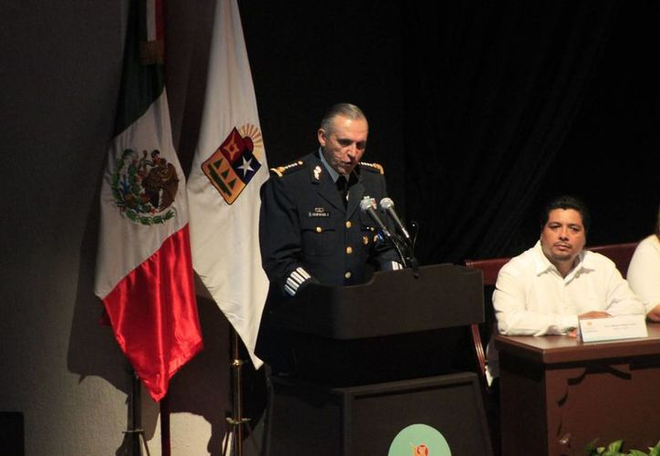 """El general Salvador Cienfuegos Zepeda fue nombrado """"Huésped Distinguido"""" de Chetumal. (Harold Alcocer/SIPSE)"""
