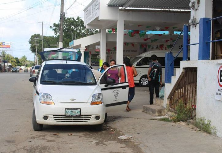 El Sindicato de Taxistas arrancará los operativos para detectar a operadores bajo los influjos del alcohol. (Benjamín Pat/SIPSE)