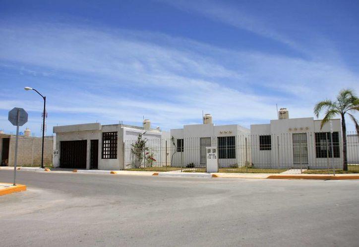 Para este año, el Infonavit se planteó edificar 15 mil viviendas en el estado. (Harold Alcocer/SIPSE)
