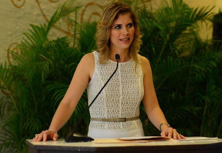 Annel Macías Arreola, nueva presidenta de Vifac, se comprometió a impulsar los servicios de la asociación Vida y Familia, A.C. (Milenio Novedades)