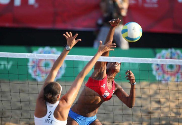 Varios estados de México serán sedes este año de torneos internaciones de volibol. En la foto, competencia en el marco de los Juegos Centroamericanos de Veracruz en 2014. (Notimex)