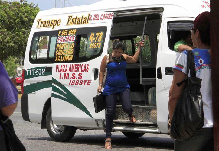 Los choferes de transporte público no atienden a detalle las medidas de concienciación. (Tomás Álvarez/SIPSE)