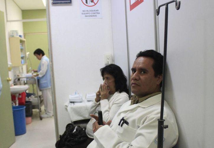 La Secretaría de la Gestión Pública ya ha hecho algunas observaciones a médicos que contaban con doble o triple plaza en la entidad. (Harold Alcocer/SIPSE)