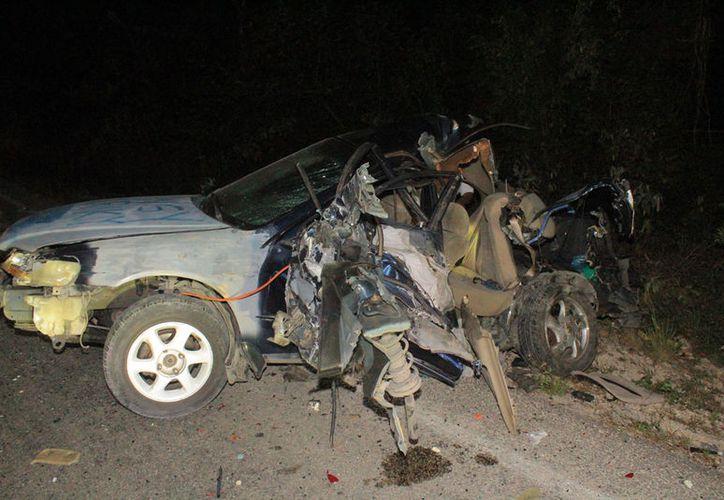 El vehículo no tenía encendidas las luces intermitentes. (Redacción/SIPSE)