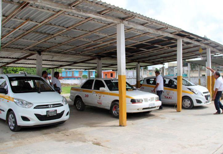 Los conductores dejan de brindar servicio a partir de las ocho o nueve de la noche. (Carlos Castillo/SIPSE)