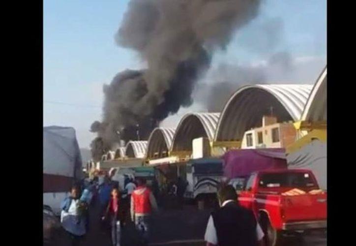 Hasta el momento se desconoce si hay heridos a causa de las llamas. (Internet)