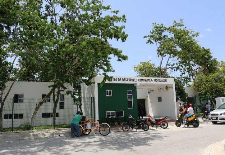 """Uno de los tres comedores se instalará en el Centro de Desarrollo Comunitario """"Froylán López"""", como parte de un programa federal. (Irving Canul/SIPSE)"""