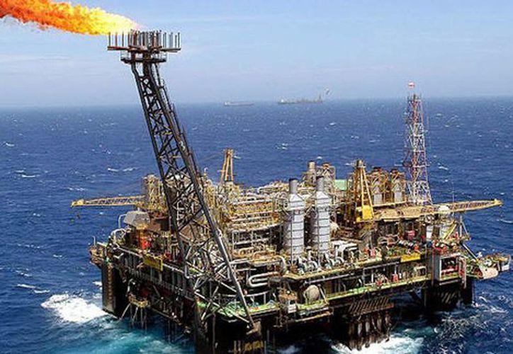La cotización de la mezcla mexicana aumentó luego de que EU anunciara la contracción de su reserva de petróleo. (Archivo/SIPSE)