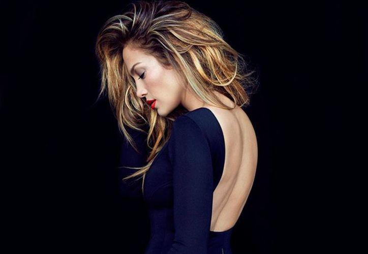 El lado más sensual de JLo, en la próxima edición de la revista Billboard. (excelsior.com.mx)