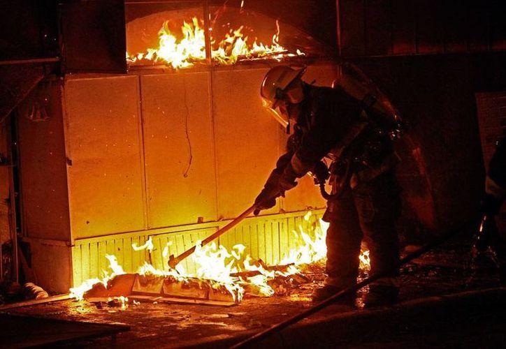 El jefe de Bomberos de Distrito Federal, Raúl Esquivel, sueña con que cada delegación de la ciudad tenga su estación, y que los bomberos cuenten con todo el equipo de seguridad. (Imagen de contexto/NTX)