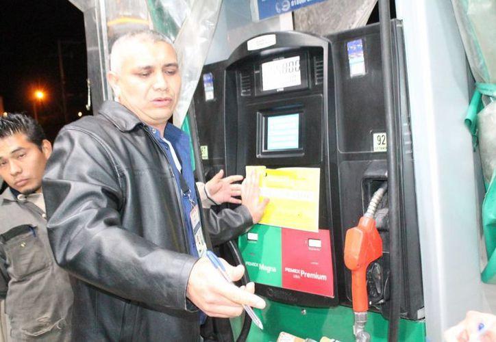 Comuna de Mérida solicitará la fuerza pública ante reincidencia de empleados de una gasolinera de la colonia México a no respetar términos de la clausura. (Fotos cortesía del Ayuntamiento de Mérida)