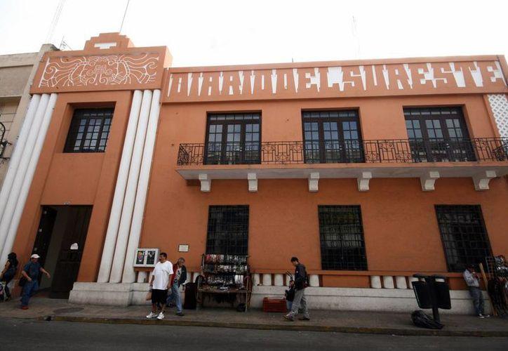 Fachada de la Biblioteca Virtual de Yucatán, que ya cuenta con más de 400 mil páginas sobre el Estado. (Milenio Novedades)