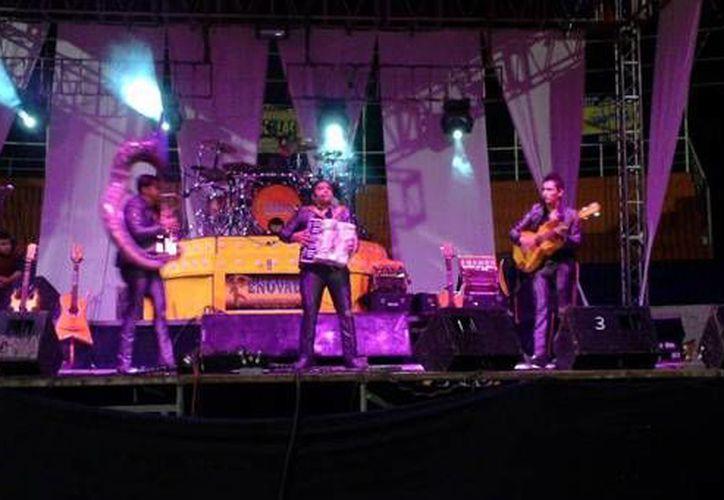 El grupo de música regional 'Los 4 herederos' fue secuestrado por un comando armado la madrugada de este lunes cuando regresaban de un presentación privada en el municipio de Tamazula, Jalisco. (Facebook: Los 4 Herederos De El Grullo Jalisco)