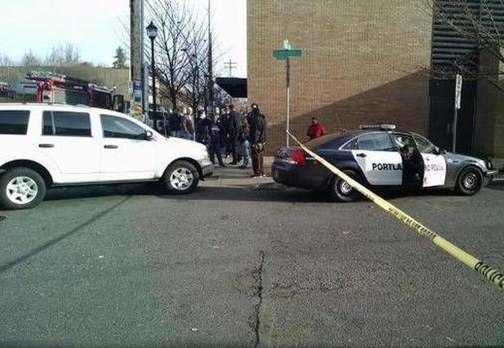 La policía de Portland desconoce si el agresor es uno o actuó en complicidad con otros. (cbsnews.com)