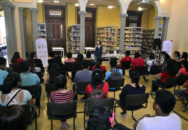 La actividad se realizó en la Biblioteca Pública Central Estatal 'Manuel Cepeda Peraza'. (Milenio Novedades)