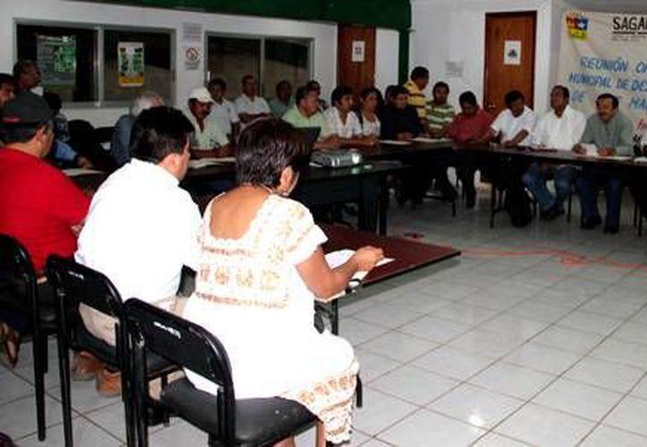 Ante la presencia de diversas autoridades, quedo reinstalado el consejo de desarrollo rural sustentable. (Redacción/SIPSE)