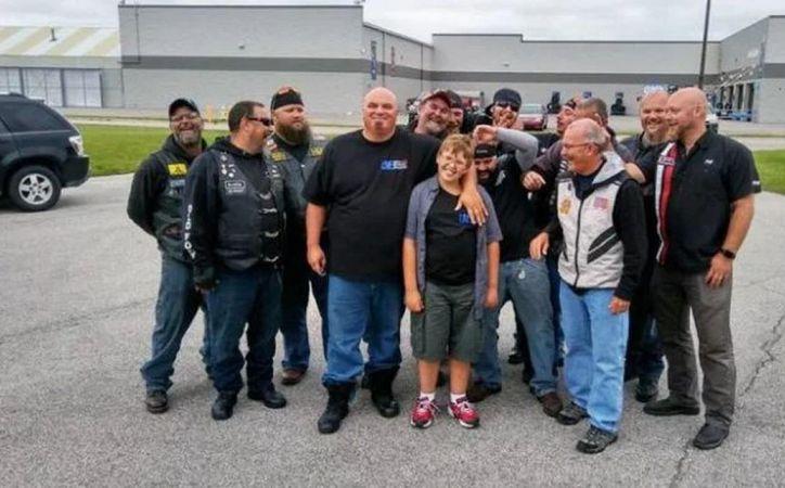 En total, 50 motociclistas se reunieron para ayudar a Phil. (Foto: Trome)