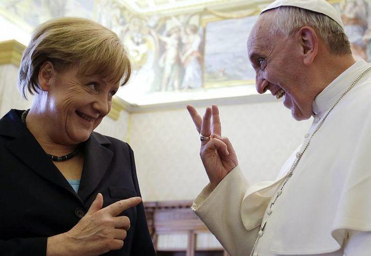 El Papa habló en privado con Merkel durante 45 minutos en el Palacio Apostólico. (Agencias)