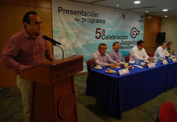 Presentan el programa de la quinta reunión del juzgador mexicano. (Tomás Álvarez/SIPSE)