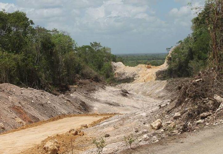 Hasta el momento se tiene un avance de 57.5 kilómetros de 92 que son en total. (Edgardo Rodríguez/SIPSE)