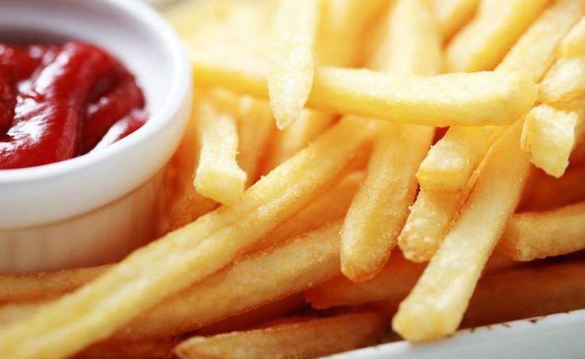 Las papas fritas pueden ser muy dañinas para personas que superen los 40 años de edad. (Clarín)