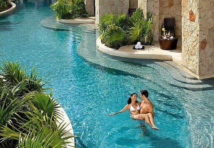 Cancún y la Riviera Maya se encuentran entre los destinos que más son visitados por quienes hacen viajes de lujo. (México Destinos)