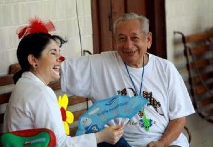 La risa provoca múltiples beneficios en las funciones fisiológicas del cuerpo.  (Archivo/SIPSE)