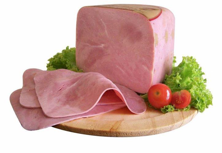 Algunos tipos de jamón en realidad contienen ingredientes como plumas y huesos de gallina. (Contexto/Internet)