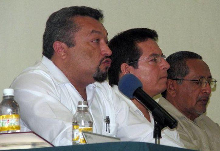 Autoridades educativas durante la presentación del programa de superación académica. (Milenio Novedades)