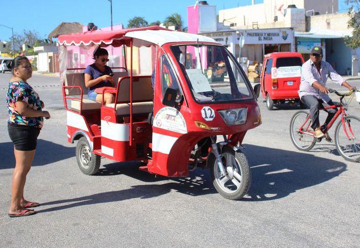 Son seis las organizaciones de mototaxis que no cuentan con permisos. Octavio Martínez