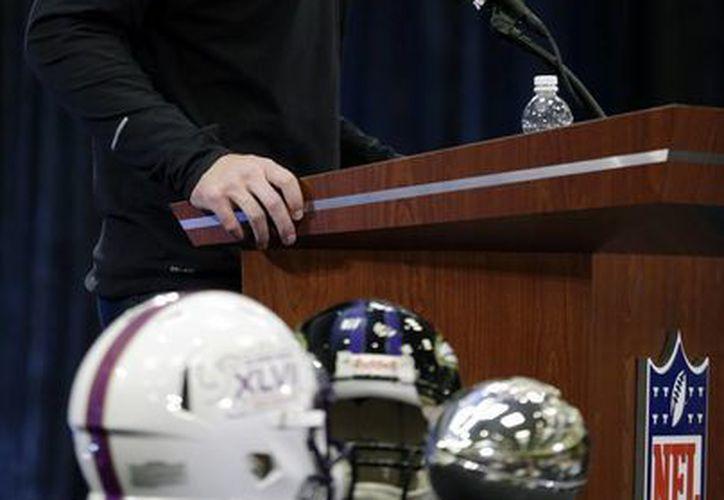 El MVP del Super Bowl XLVII evitó caer en controversias, en el sentido de qué tan buen mariscal de campo es. (Agencias)
