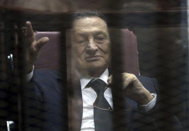 Además del delito de soborno, Mubarak está sometido a juicio por la matanza de cientos de manifestantes en la insurrección de 2011. (Archivo/EFE)
