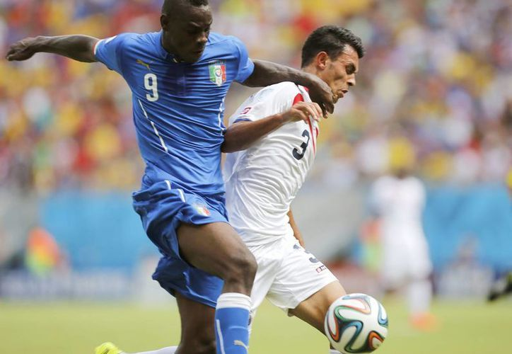 Normalmente la FIFA solo hace pruebas a dos jugadores de cada equipo, pero el caso de Costa Rica fue inusual. (EFE)