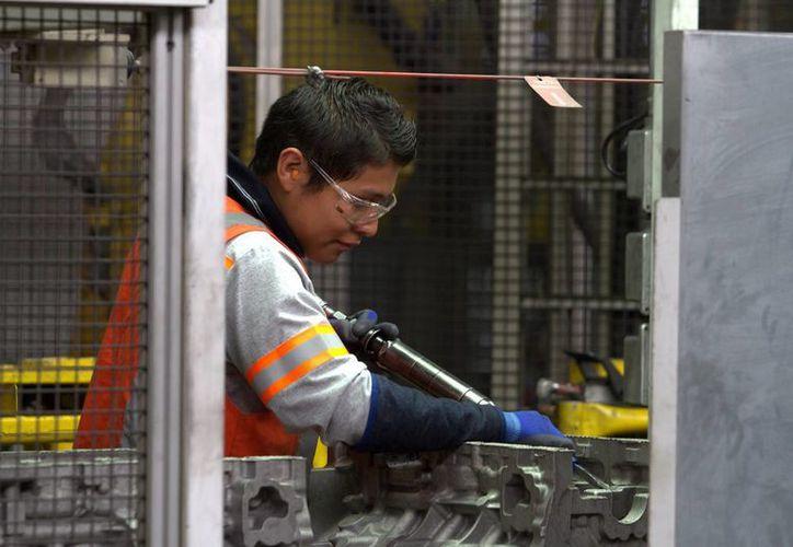 El Inegi dio a conocer que durante el mes de junio, la producción industrial en México tuvo un repunte. Imagen de contexto. (Archivo/Notimex)