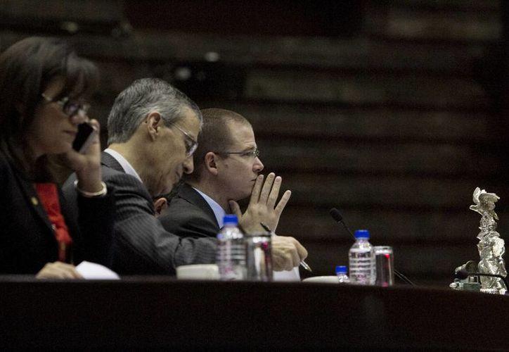 Diputados señalaron que la reforma del IFAI es un paso más para consolidar la democracia. (Archivo/Notimex)