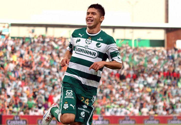 Oribe Peralta, proveniente del Santos, primero disputará con México el Mundial y después jugará en el América. (goal.com)