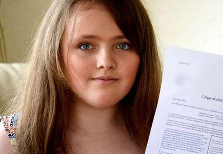 Nicole Barr sumó 162 puntos tras enfrentarse a las preguntas de Mensa, cifra con la que superó a Albert Einstein y Stephen Hawking. (publico.es)