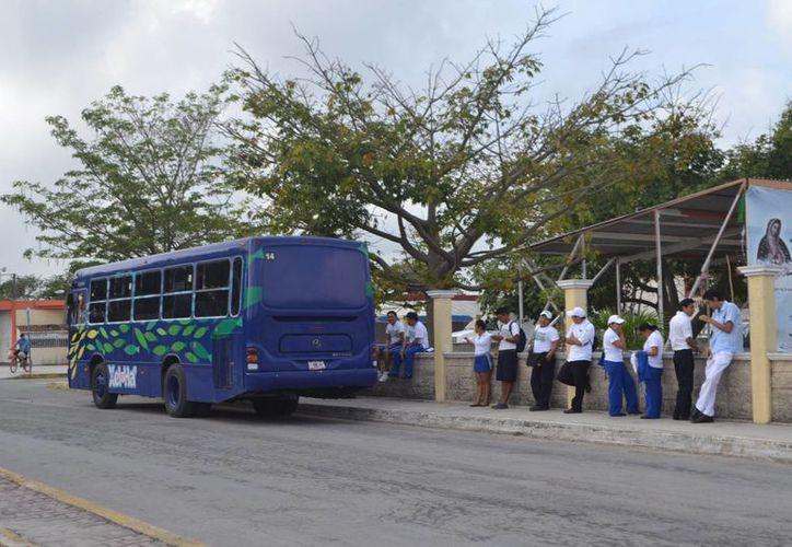 La Sintra y la PFP realizan operativos de revisión de las unidades de transporte de empleados. (Rossy López/SIPSE)