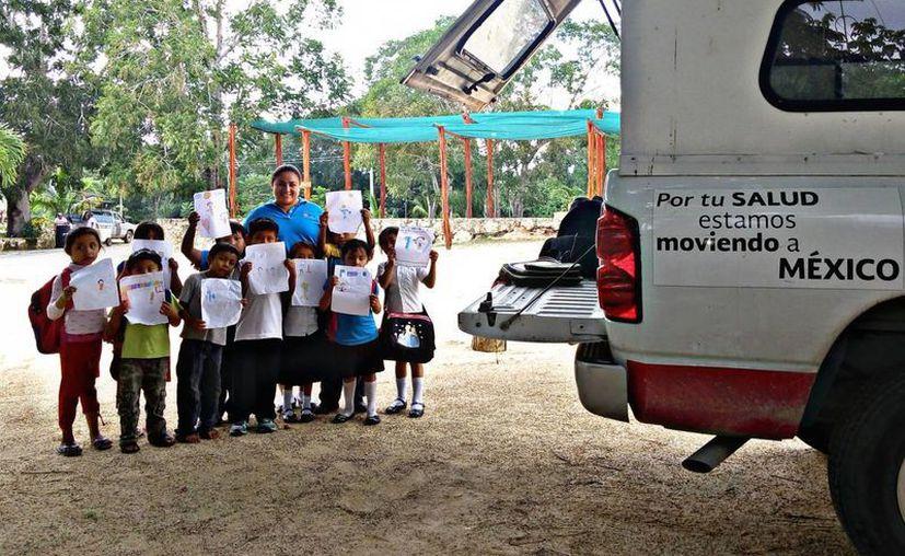 Las Unidades Médicas Móviles ofrecen 30 consultas al día en poblados de Quintana Roo. (Ángel Castilla/SIPSE)