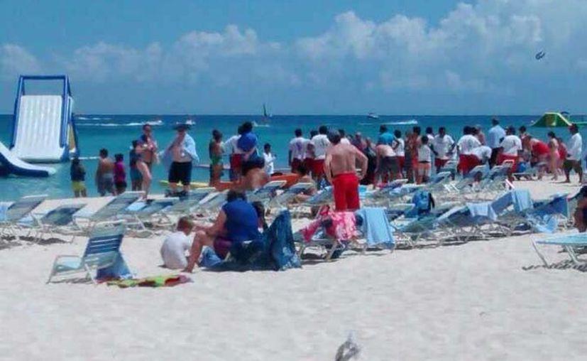 El hoy occiso fue encontrado en playa Fury ubicada a la altura del kilómetro 13 de la carretera costera sur, en Cozumel. (Redacción/SIPSE)