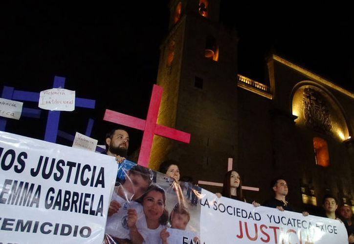 La Catedral de Mérida presenció la marcha de más de dos mil personas. (Milenio Novedades)