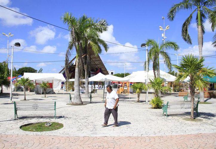 La conexión de internet en espacios públicos fue resultado del programa México Conectado, a través de un convenio con Telmex. (Tomás Álvarez/SIPSE)
