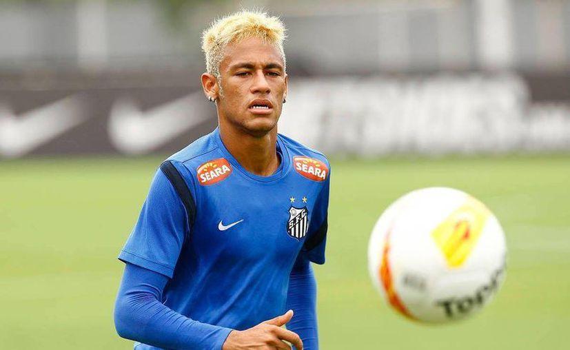 Mientras que Neymar fue de 'Quico' su novia se vistió como 'Dorothy' del Mago de Oz. (Facebook oficial)