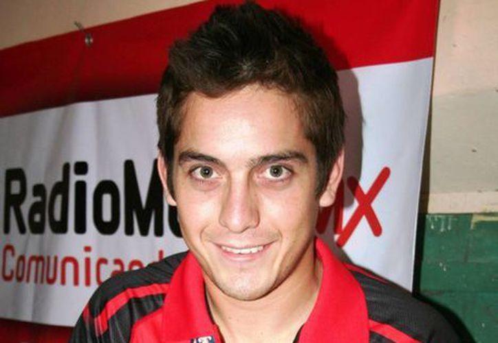Daniel ganó una medalla en manera individual, otra en dobles y otra en equipos. (Cortesía)