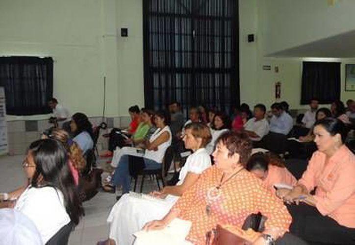 Fue impartido por David Siliceo González, administrador de Normatividad de Impuestos Internos, oficina dependiente del SAT. (Redacción/SIPSE)