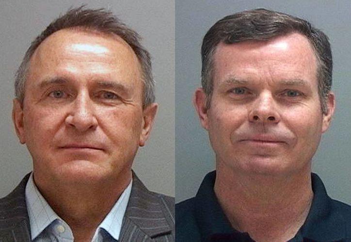 Imagen de los exfiscales de Utah, Mark Shurtleff (izq) y John Swallow, quienes fueron puesto bajo custodia como parte de una investigación de soborno. (Agencias)