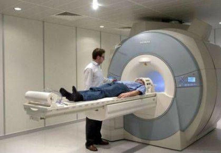 En el experimento, los participantes durmieron bajo el escaneo del equipo de resonancia magnética. (www.24-horas.mx/Foto: especial)