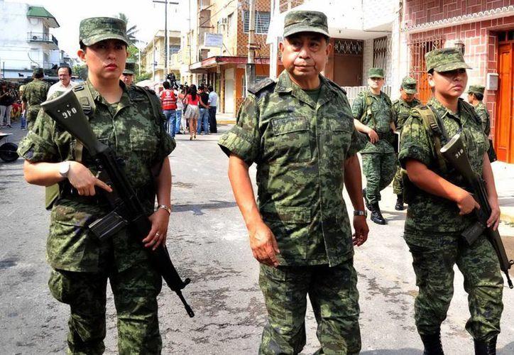 El Ejército mexicano ha tenido que realizar labores de vigilancia en los municipios en donde  no hay policía, como en el caso de Gómez Palacio y Lerdo, Durango (Archivo/NTX)