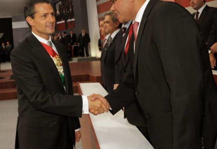 Ayer, el gobernador Rolando Zapata asistió al primer informe del presidente Enrique Peña Nieto, en la residencia oficial de Los Pinos. (Cortesía)